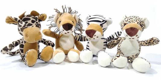 Brinquedo Kit Cães 4 Pelúcias Animais África Apito