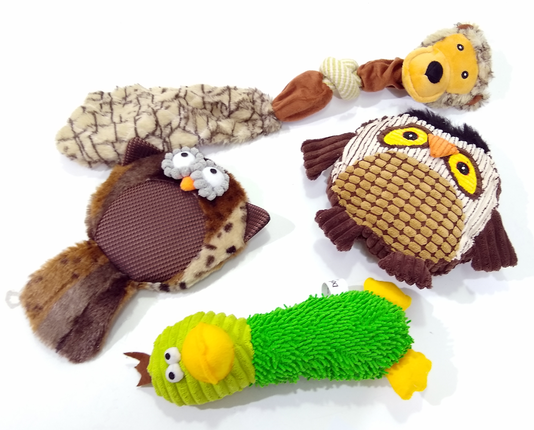 Kit Brinquedo Pelúcia Cães Mordedor Apito 4Un Coruja Pato Macaco